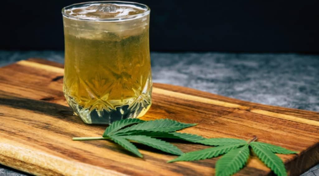 boire de l'alcool avec de l'huile de CBD